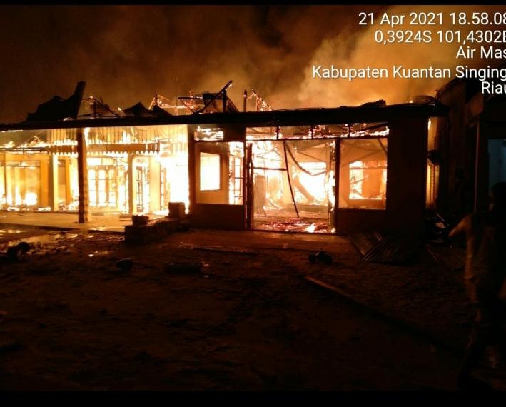 Empat Unit Rumah Warga Kuansing Ludes Terbakar