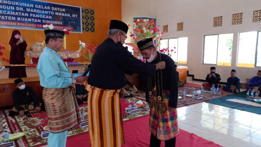 Gelar Datuk Rajo Lelo Bangun Resmi Disandang Mardianto Manan