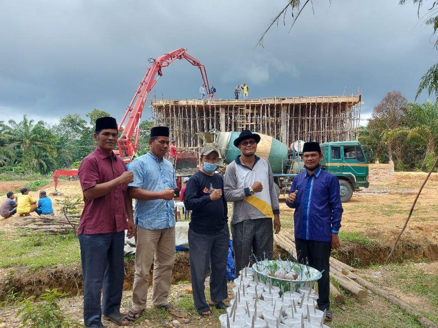 Harapan Memiliki Masjid, Masyarakat Koto tuo Giat Gotong Royong Pengecoran Atap Beton Masjid