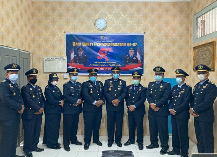 Kalapas Kelas IIB Teluk Kuantan Upacara Peringati Hari Bakti Permasyarakatan Ke 57