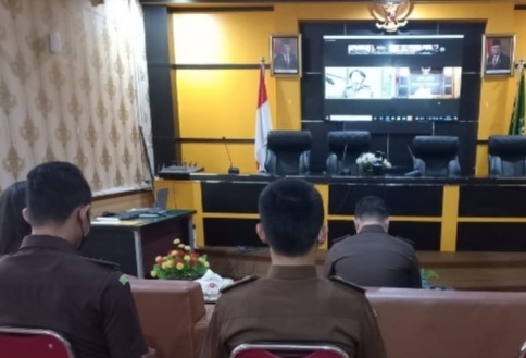 Mursini Jalani Sidang Perdana di Pengadilan Negeri Tipikor Pekanbaru
