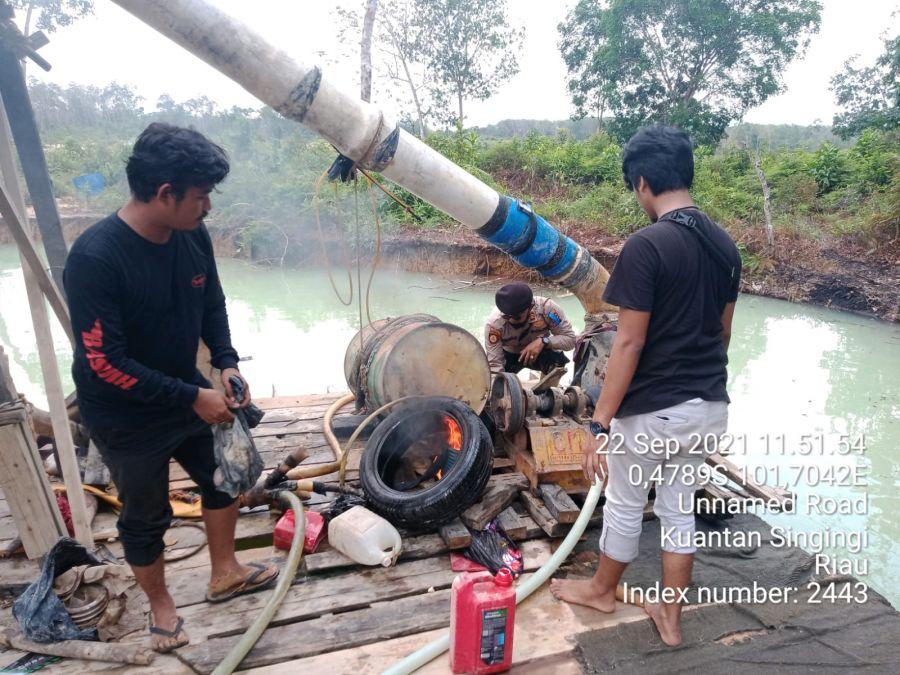 Tim Polres Kuansing dan Polsek Kuantan Hilir Hancurkan Rakit PETI di Desa Kasang Limau Sundai Kuantan Hilir