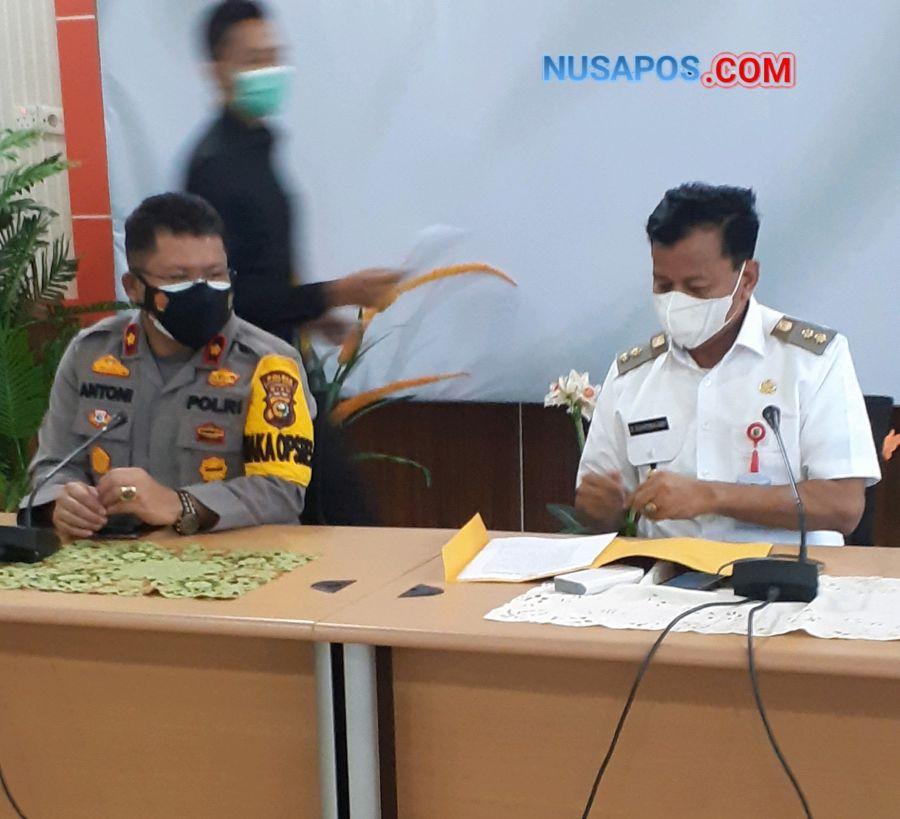 Waka Polres dan Wakil Bupati Kuansing Menerima Pengakuan 3 Anak Penurun Bendera di Kantor Pemkab Kuansing