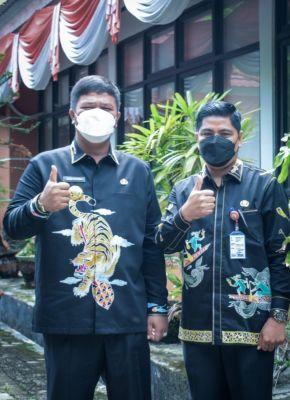 Mulai Pekan Ini, Bupati Kuansing Terapkan Perbup ASN PDH Batik Kuansing