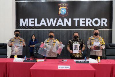 Polda Riau Fight Melawan Teror, Seorang Satpam Dan Dua Rekannya dibekuk