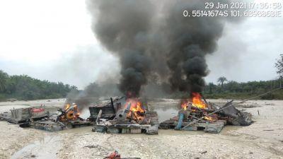 Tim Belalang Hitam Sat Reskrim Polres Kuansing kembali tertibkan aktifitas PETI, pelaku Kocar Kacir